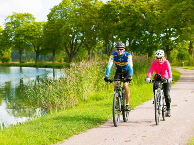 cycle 54 km along the Göta Canal2