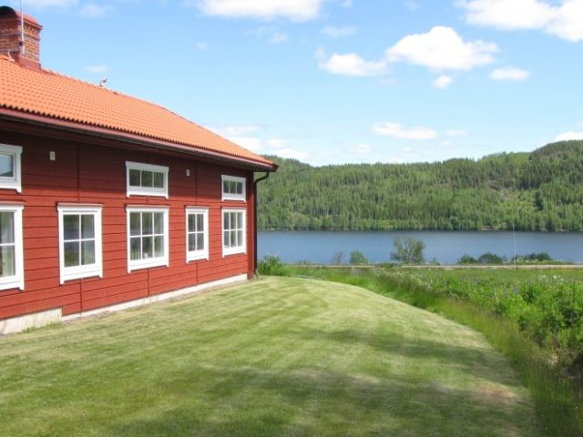 Tour the warm lakes of Wärmland