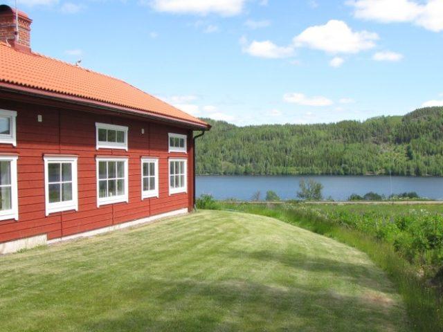 Tour the warm lakes of Wärmland
