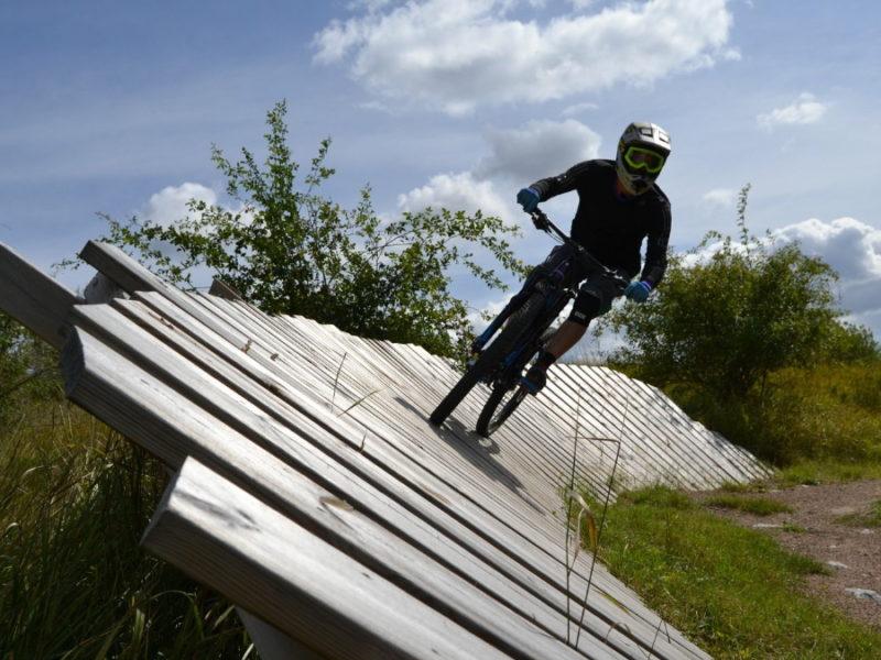 Västerås cykla downhill_vedbobacken