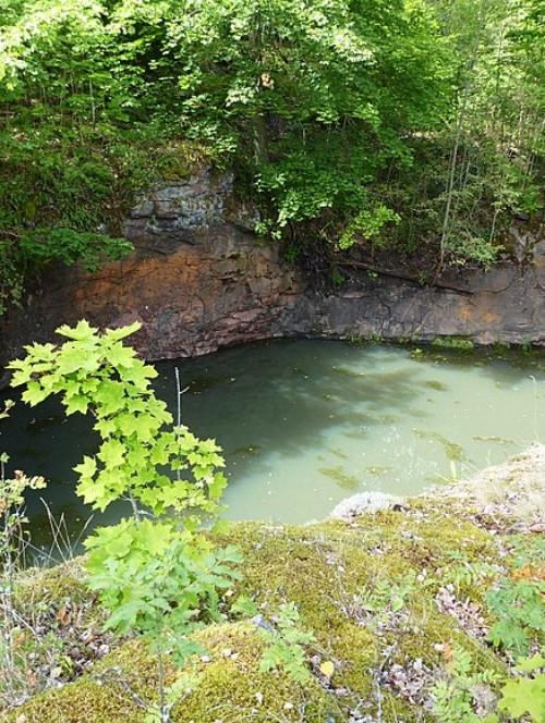 Skottvångs gruva - vattenfyllt gruvhål
