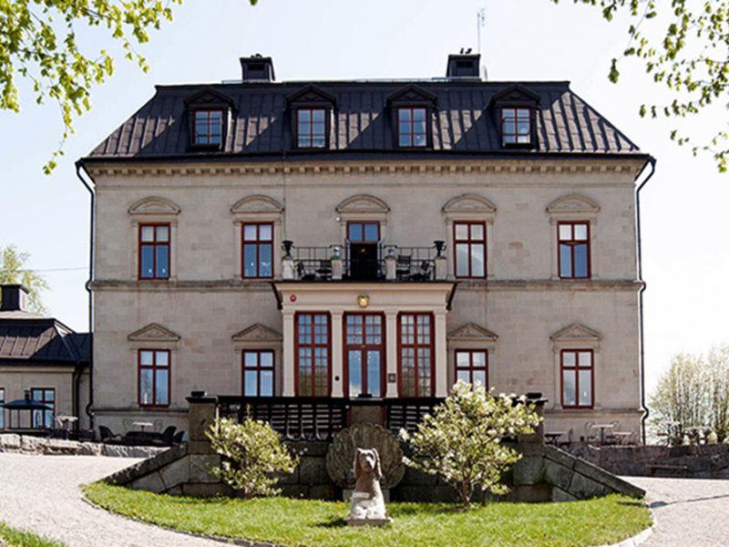 Gjörvelsn castle facade everyone