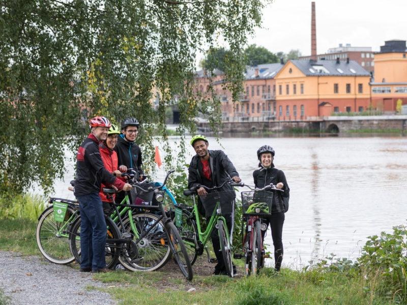 Positiva omdömen från kunderna sweden by bike_cykling längs Eskilstunaån_Ulf Huett