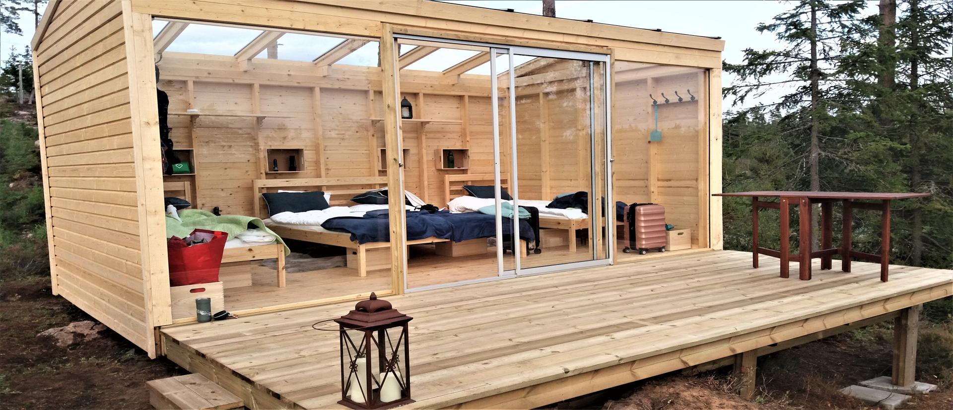 Bo i glashus vid egen badsjö