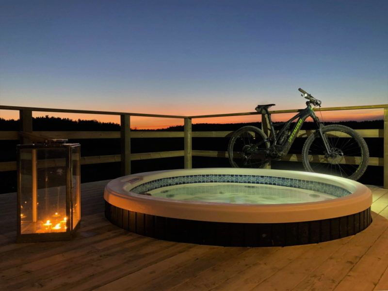 Relax outdoor hot tub_2