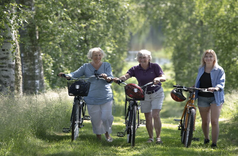 Ulvsby cykelresa 3 kvinnor i allen2