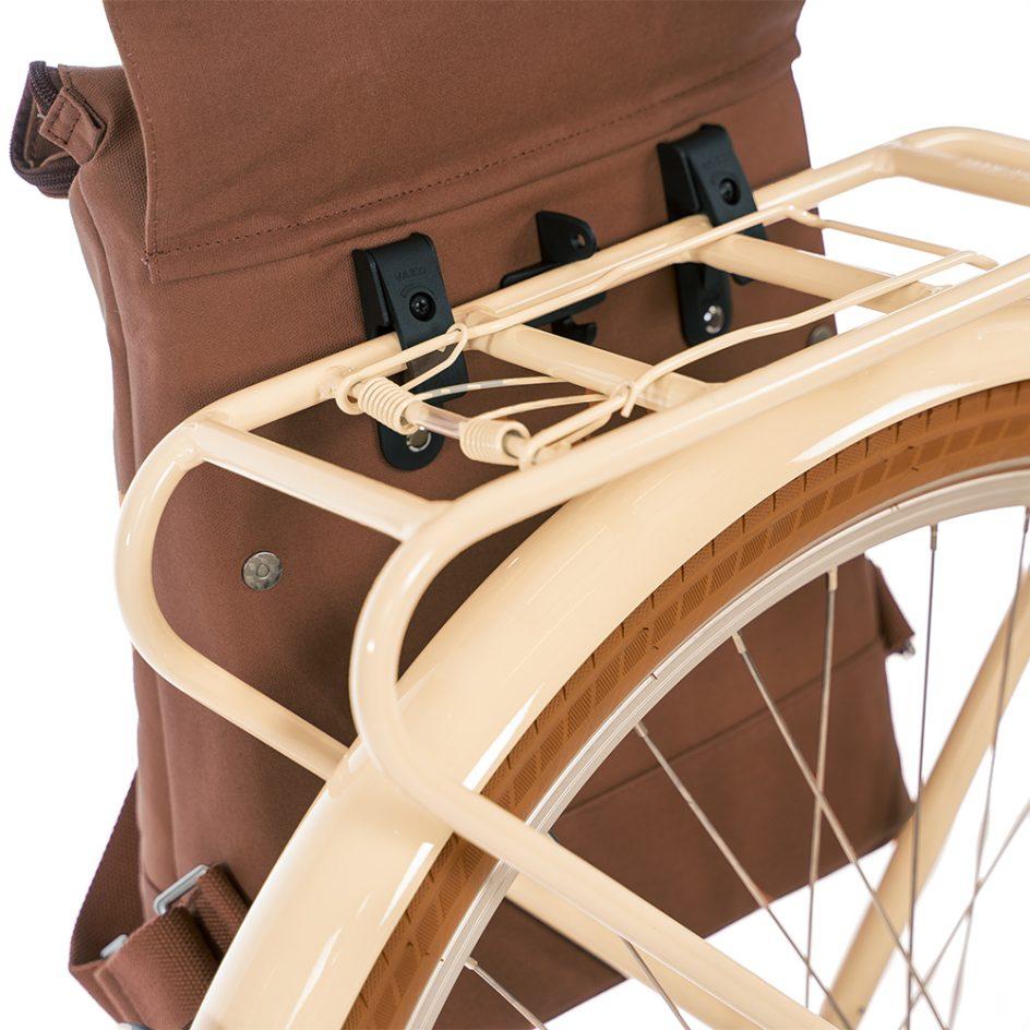 City Backpack Cognac bike hooks