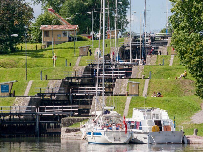 Bergs slussar-gota canal