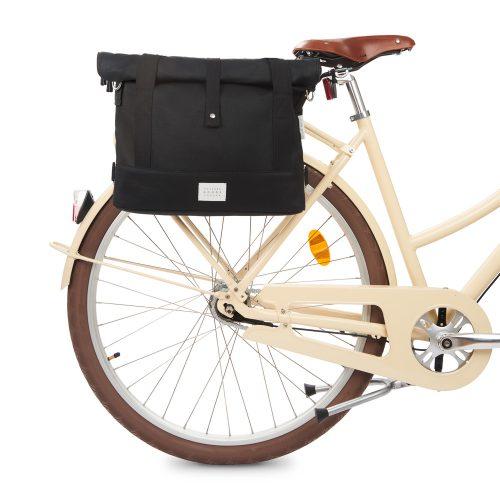 City Bike Satchel - svart - bike front
