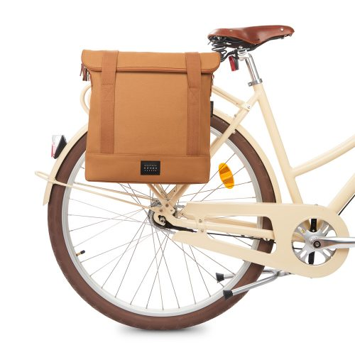 City Bike Tote - cognac - bike front