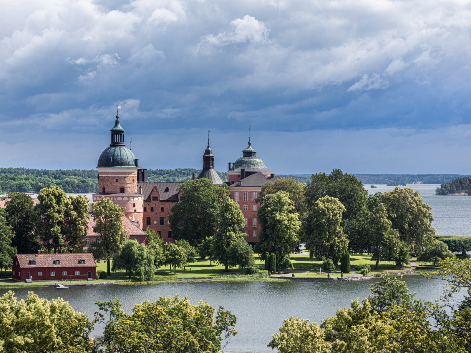 Gripsholms slott från Hjorthagensberget_201907_FotoYAH