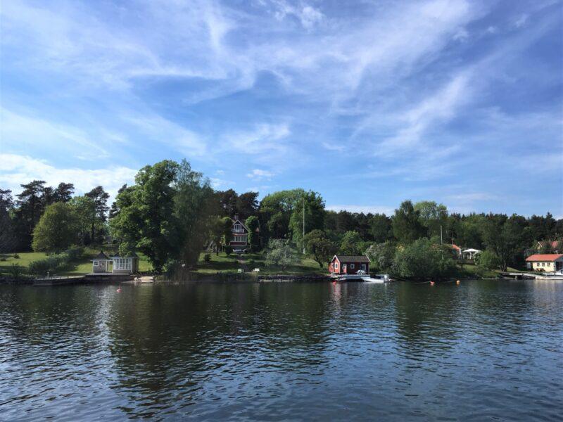 idylliska vyer i stockholms skärgård