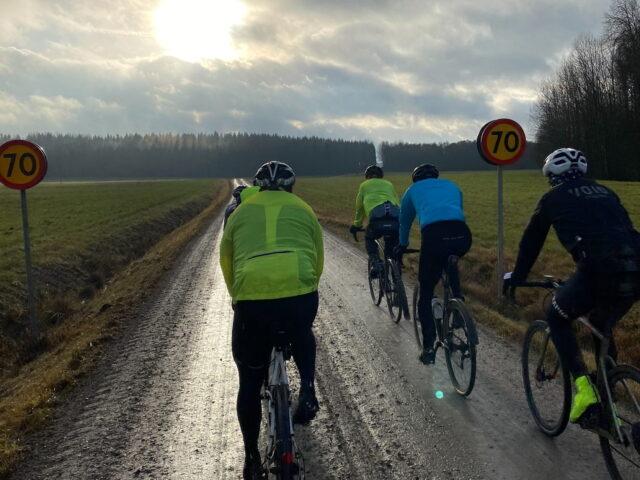 Cycling Lake Vänern Around_Pär Fredriksson Örebro cyclists